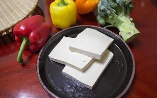 El tofu es rico en proteínas vegetales
