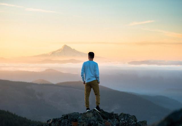 Renungan  Motivasi Paling Dahsyat  Jika Banyak  Orang Salah Memahamimu Janganlah  Berkecil Hati Hadapi Cobaan dan Bangkitlah Karena Menyerah Bukan Pilihan