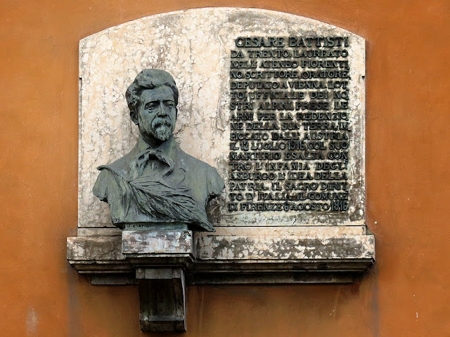 Bust of Cesare Battisti, University of Florence, Piazza San Marco, Florence