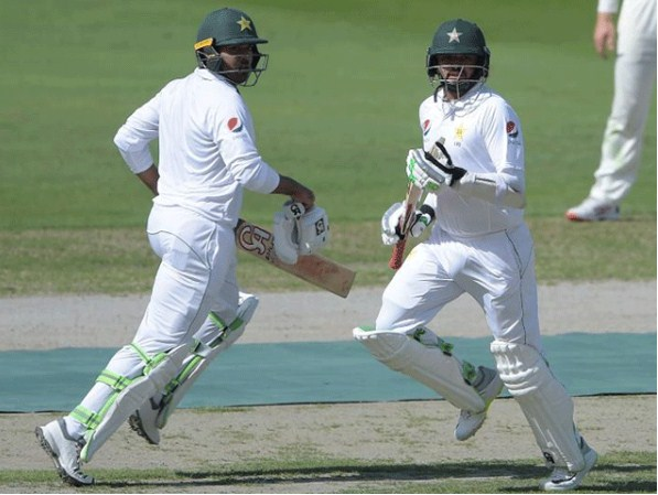 Dubai Test; Pakistan made 207 runs on 4 for the first day