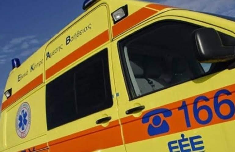 Τροχαίο ατύχημα με έναν 20χρονο δικυκλιστή σοβαρά τραυματία στην οδό Φαρσάλων στη Λάρισα