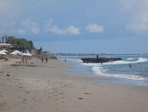 Pantai Batu Bolong Canggu Bali, Batu Bolong Beach Canggu Bali, Pura Batu Bolong Canggu