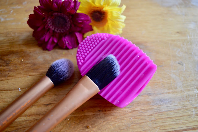 PS Silicone brush cleaner