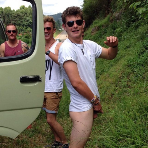 Naked Straight Dudes Peeing-5992