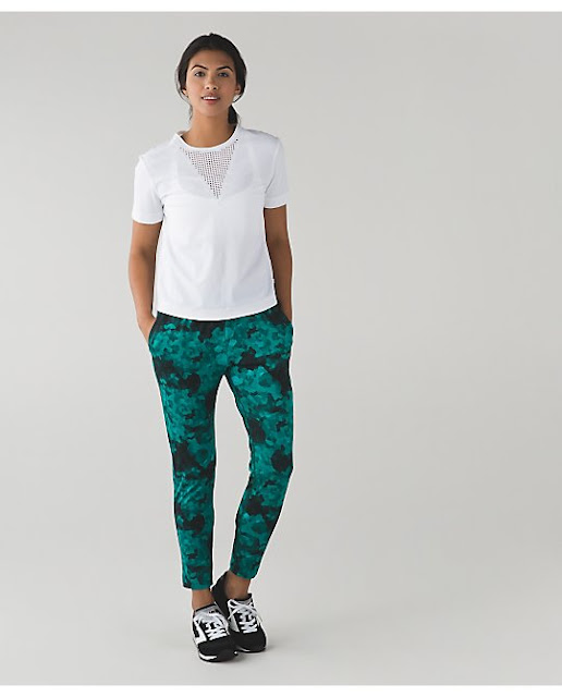 lululemon-jet-crop clouded-dreams
