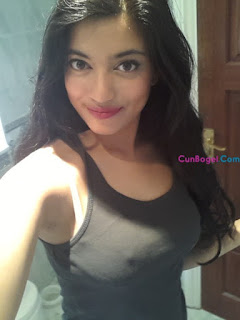 Awek Gadis India Comel Bogel Selfie