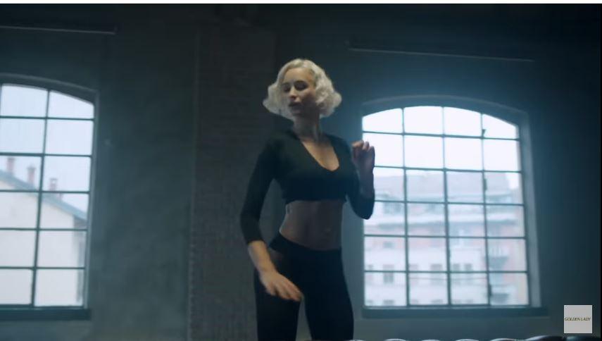 Chi sono le 3 Modelle di Goldenlady pubblicità calze my secret con ballerina e Divano nero con Foto - Testimonial Spot Pubblicitario Goldenlady 2016