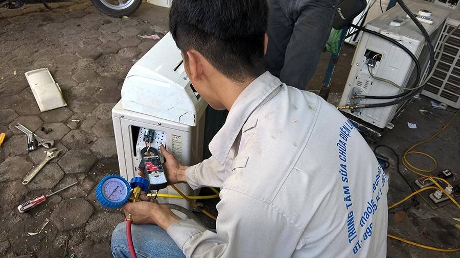 Những mánh khóe kiếm tiền của thợ sửa chữa lắp đặt điều hòa