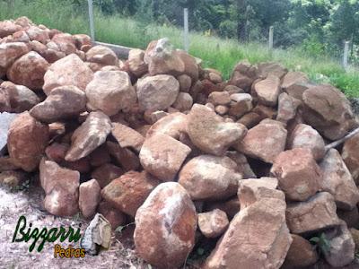 Pedra moledo para construção de gruta de pedra com tamanhos variados até 50 cm.
