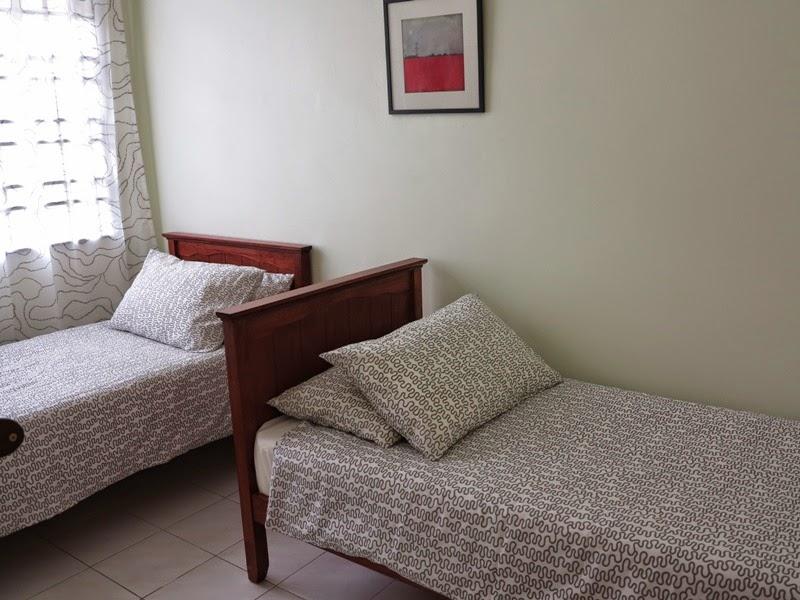 Photo 8: Bedroom 3 on the lower floor
