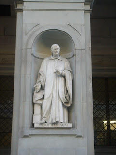 The statue of Mascagni in the courtyard of the Uffizi in Florence, where he lived