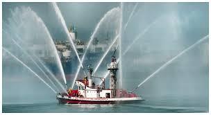 Jenis Kapal Menurut Bahan dan Alat Penggeraknya, kapal pemadam kebakaran