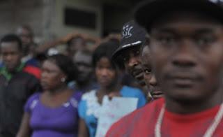 Negros ganham R$ 1,2 mil a menos que brancos, diz IBGE