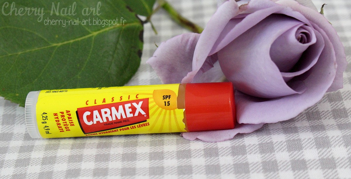 baume hydratant lèvres Carmex classic