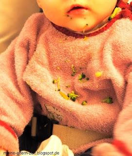 Baby isst Brokoli