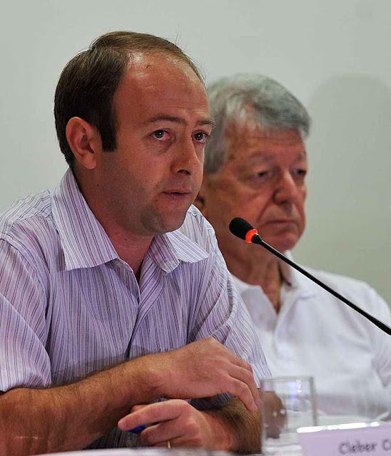 Cléber César Buzatto, secretário geral do CIMI e Dom Erwin Kräutler anterior presidente do órgão.  Foto: Antonio Cruz / Agência Brasil