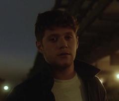 Niall Horan lança clipe de Too Much To Ask