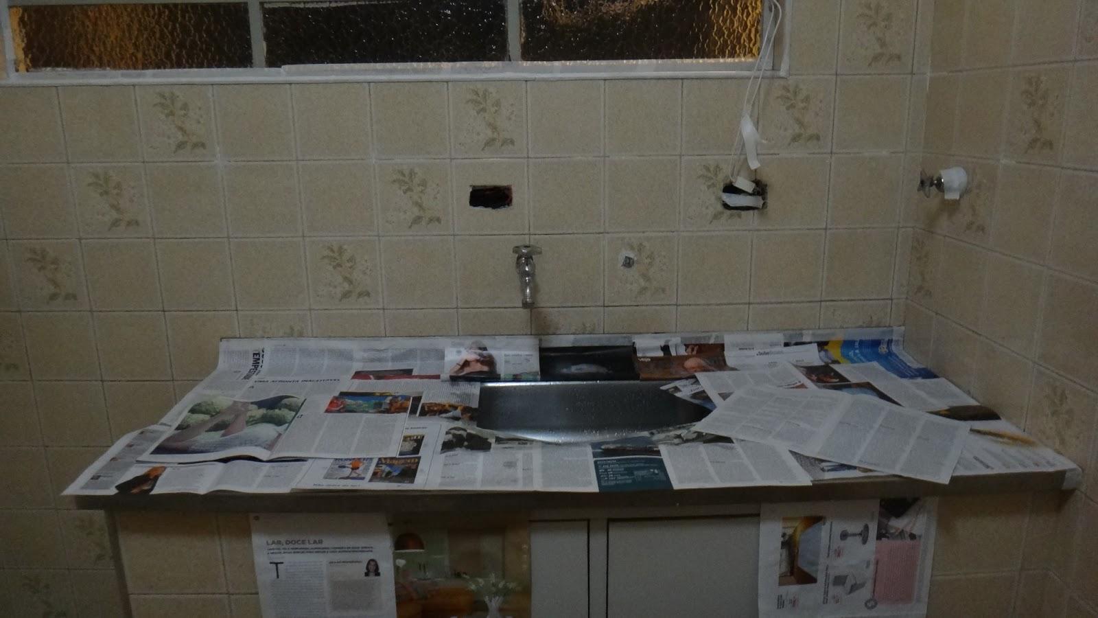 Desta vez utilizei uma tinta especial para azulejo não quis usar  #546677 1600x900 Banheiro Azulejo Ou Tinta