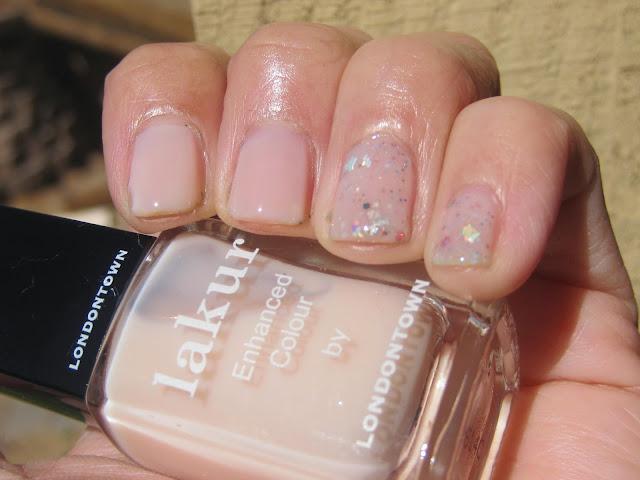 Nail Color - Nude Nail Polish - LONDONTOWN lakur