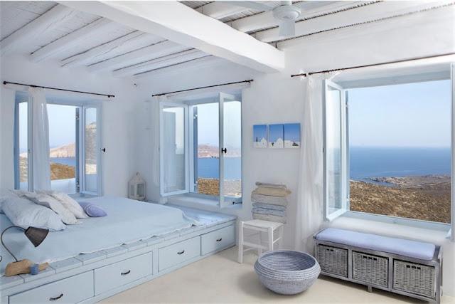 dormitorio con vistas al egeo chicanddeco