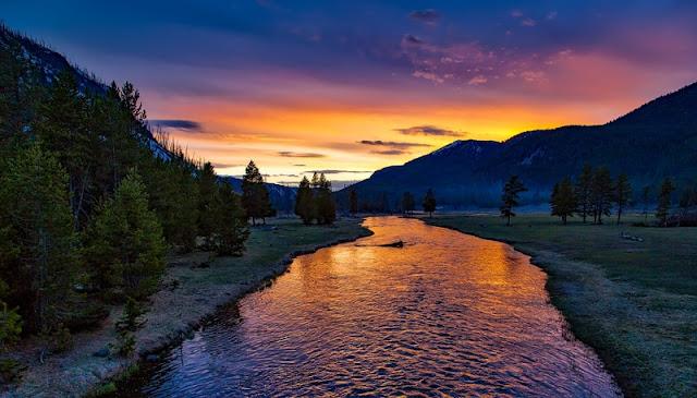 Yellowstone River at Yellowstone National Park