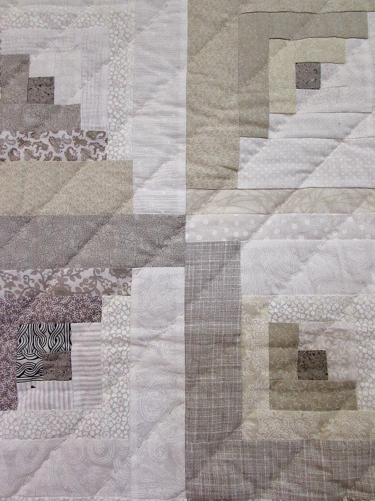 Orange Explains It All Modern Log Cabin Quilt Finish 2014