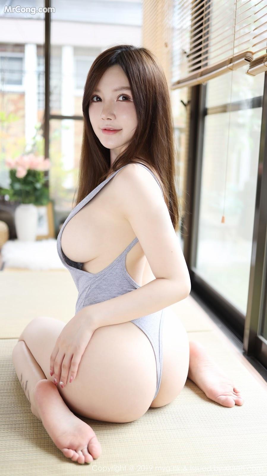 MyGirl Vol.395: 糯美子Mini (56P)