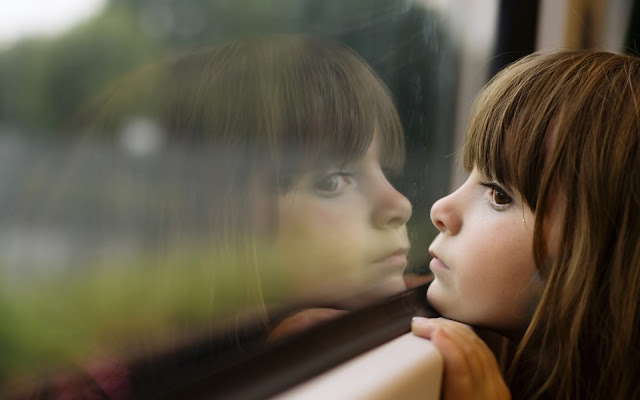 Kisah Seorang Gadis Kecil yang Bermimpi Ingin Tinggal di Rumah yang Berjendela Emas