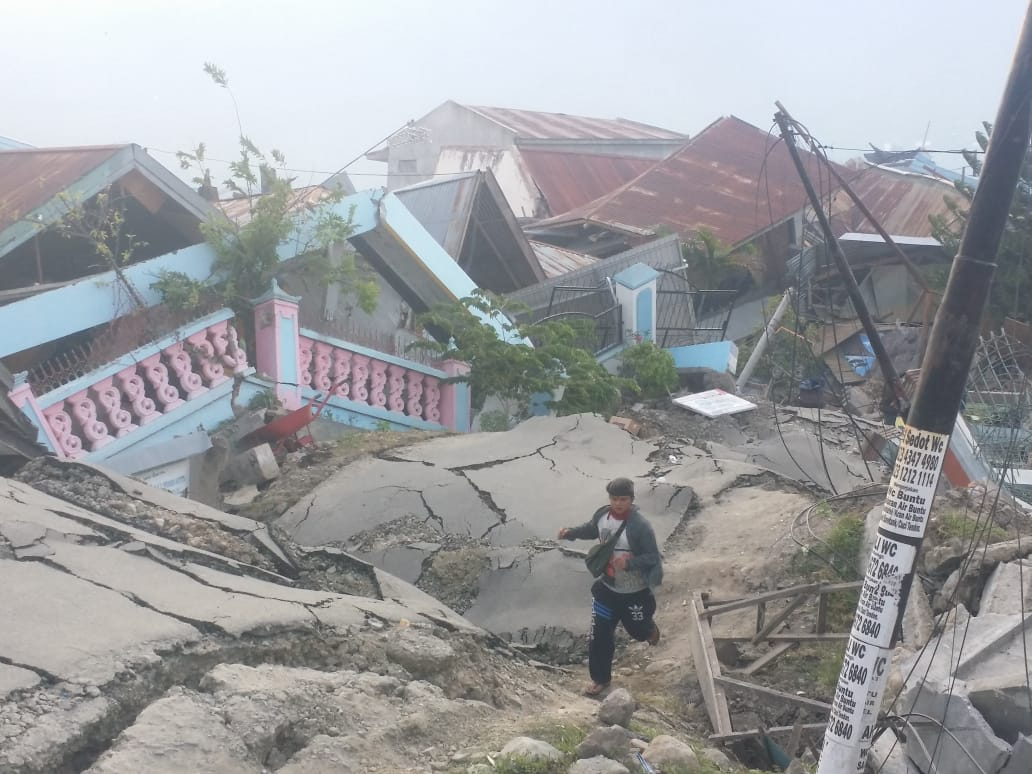 Kisah Pilu Korban Tsunami Palu