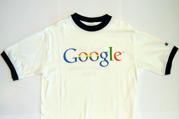 Google 2007 年為 Pride parade 做的 T-shirt,翟本喬提供