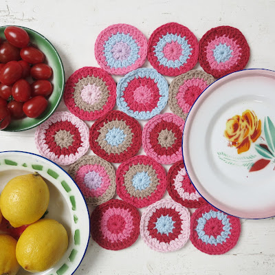 ByHaafner, bright colours, crochet, circles, doily, placemat, enamel, white wooden floor