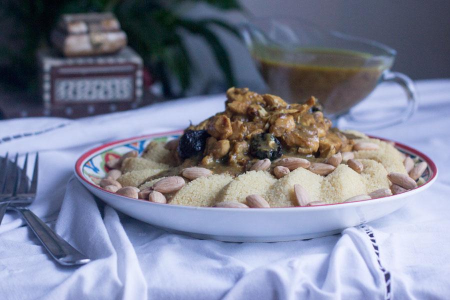 como preparar cuscus con pollo en salsa de ciruelas