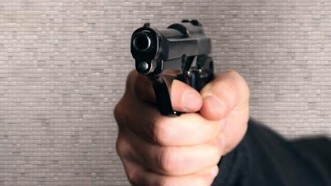 Brutálisan kivégeztek egy orosz maffiafőnököt saját szabaduló ünnepségén - Videó az esetről