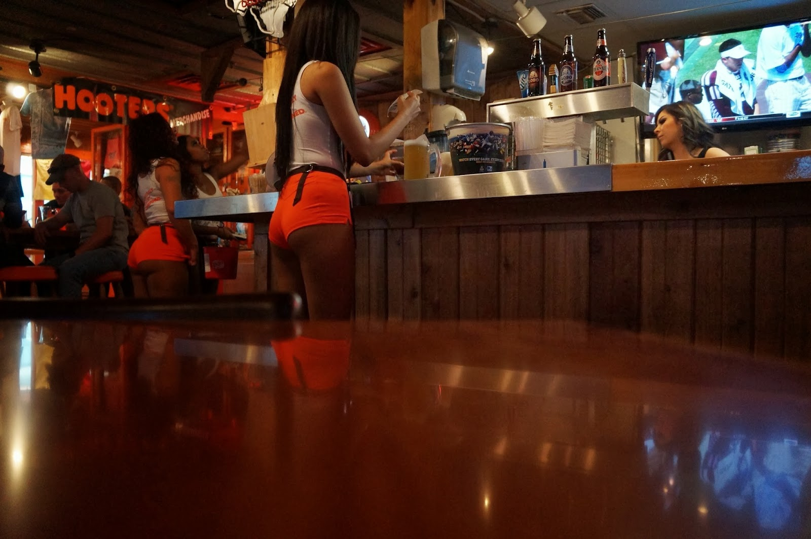 Blog For A Travelin Man Review Hooters San Antonio