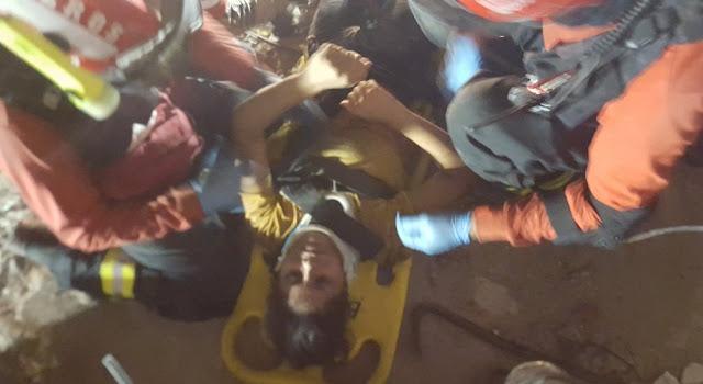 rescatan sobrevivientes terremoto ecuador