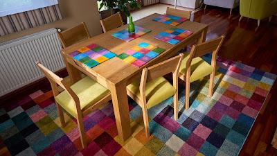 drewniane podkładki pod talerze ręcznie wykonane kolorowe na zamówienie