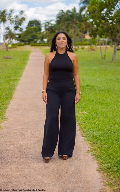 All Black: Pantalona e blusa de tricô