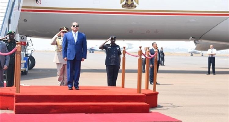 فضيحة كبرى حصلت للسيسي عند إستقباله في رواندا تصدم المصريين