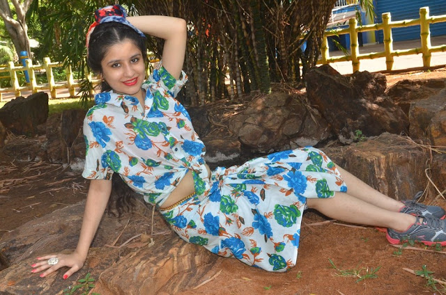Lubna Amir Latest Hot Cleveage Spicy Glamourous Dress PhotoShoot Images At Kekran Mekran Company Movie Shooting Spot