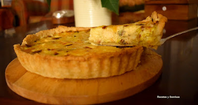 QUICHE DE POLLO CON PUERROS Y CURRY