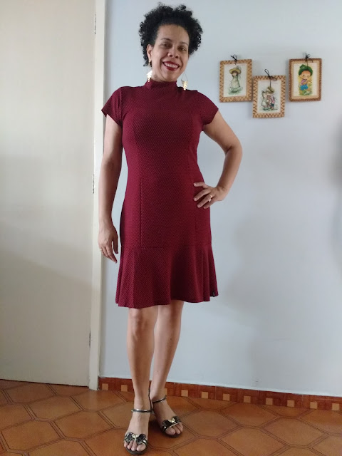 Look do dia - Vestido Vermelho e Sandálias