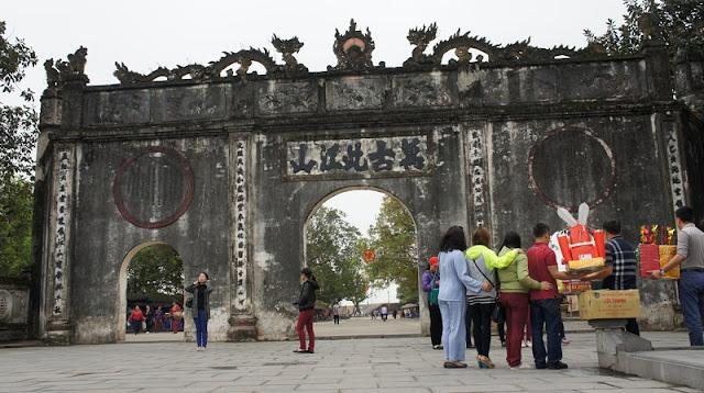 Con Son-Kiep Bac Spring Festival opens in Hai Duong 4