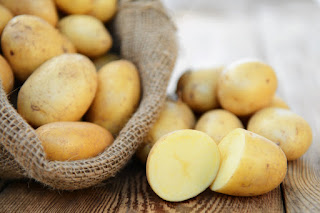 The reason this Raw potatoes Should Not Saved in Fridge