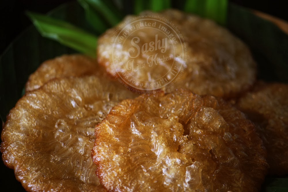 detail kue cucur