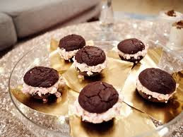 http://www.foodnetwork.com/recipes/giada-de-laurentiis/peppermint-patty-sandwich-cookies.html