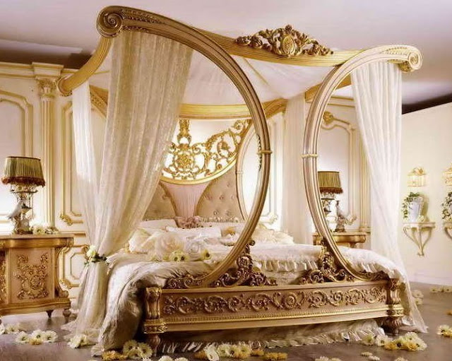 Glamours and Romantic Queen Size Bed