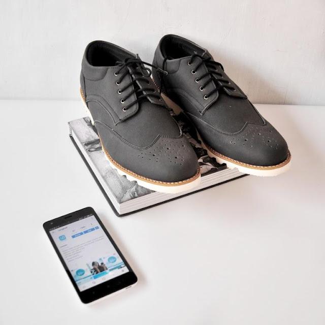 sosial shoping dengan uangku, aplikasi uangku, sepatu pria