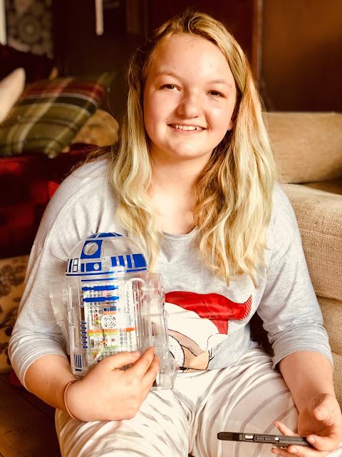 Looby with her Little Bits Droid courtesy of the EDF #prettycurious campaign, inspiring teen girls into STEM careers, mandy charlton, photographer, writer, blogger