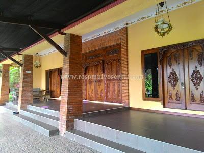 villa roso mulyo sentul untuk 50 orang