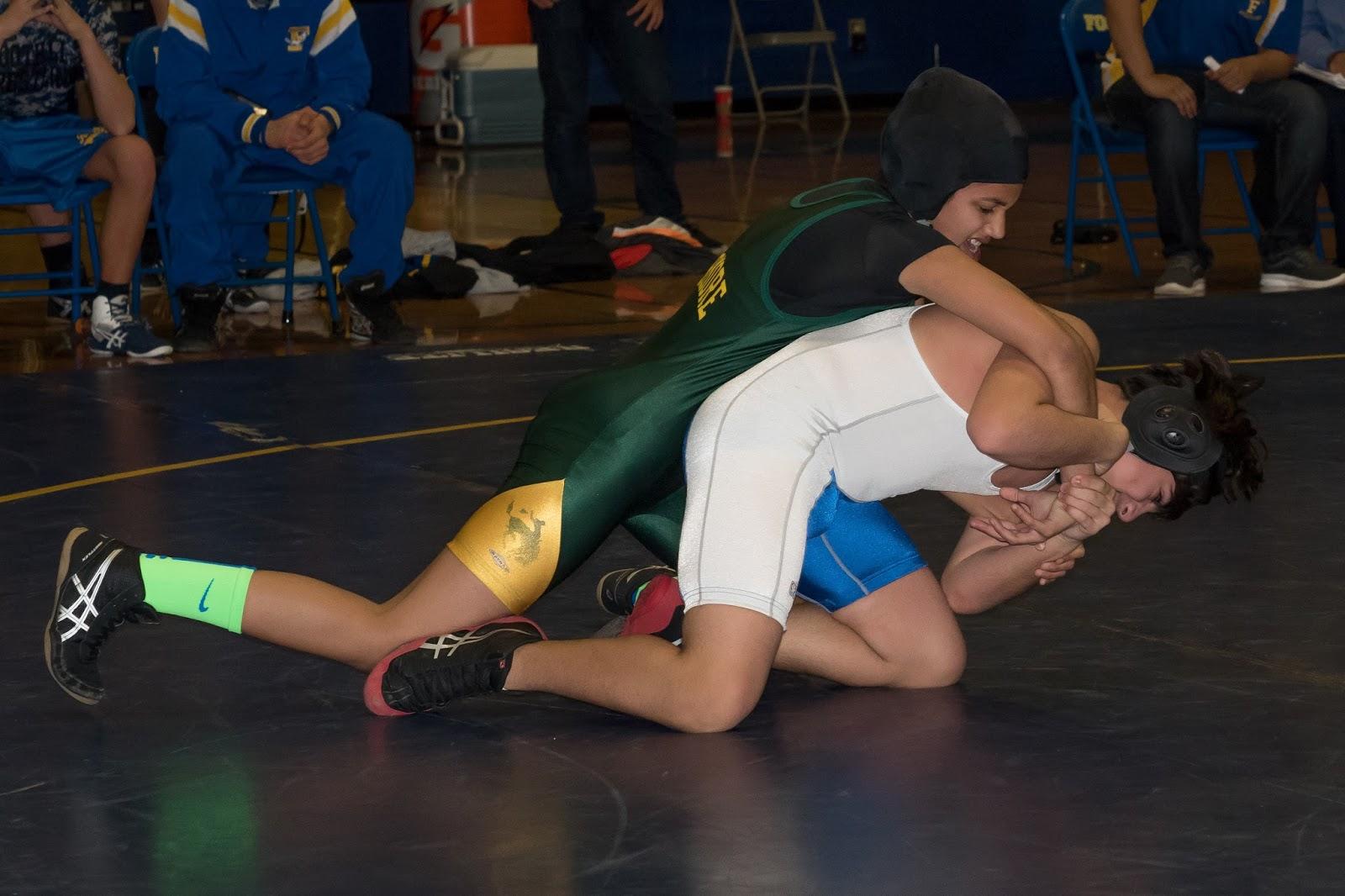 Female Pins Male Wrestling 118